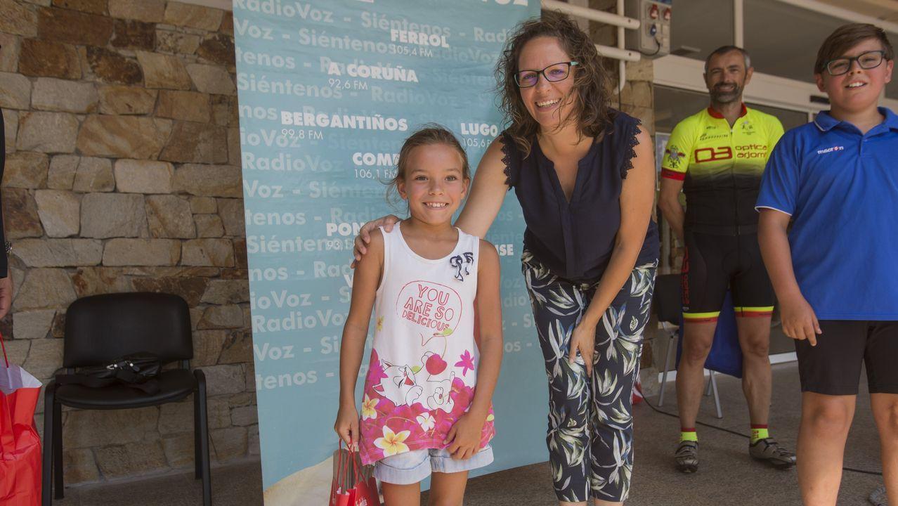 Marta Rey, junto a la pequeña Erika