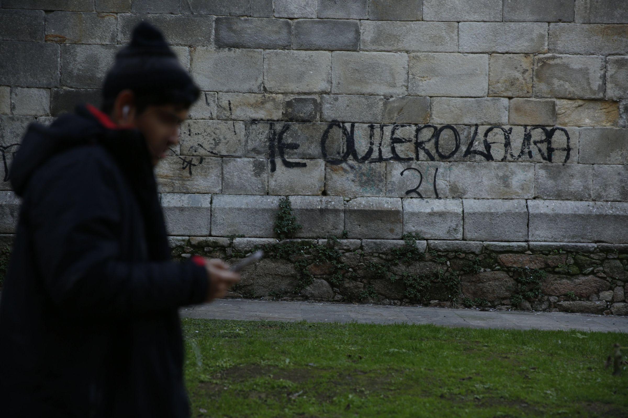 «Te quiero Laura» es la inscripción que puede leerse en una de las paredes de la Casa del Cura, en A Coruña