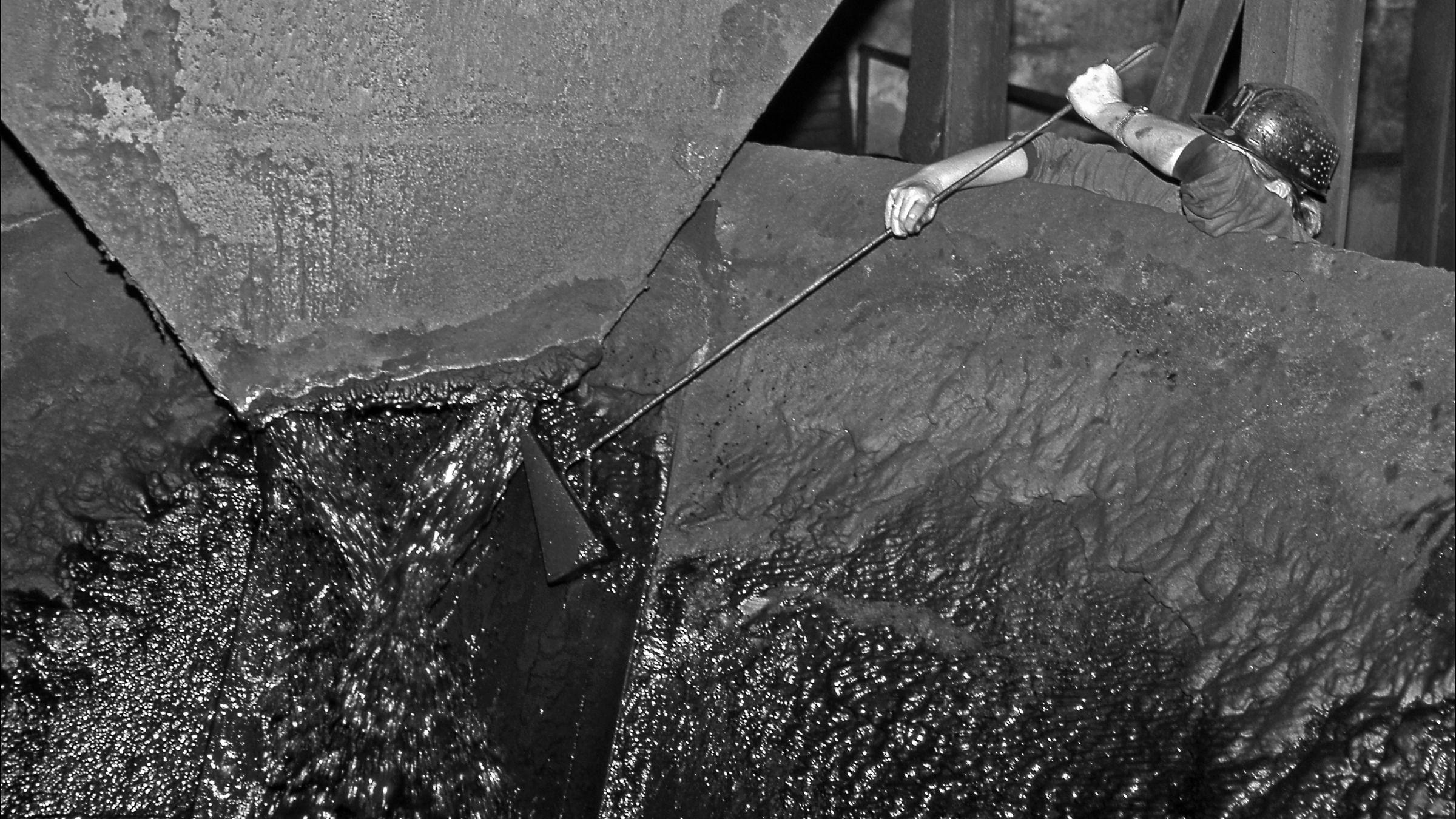 Carril de tren de Arcelor, en Veriña. Lavadero de Carbon de El Batan. Mieres. Asturias 1997