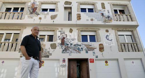El nuevo complejo turístico O Pincheiro abre sus puertas en A Pobra.Imagen de gente paseando por el paseo de Os Areos de A Pobra, concello donde se ha originado un nuevo brote de covid