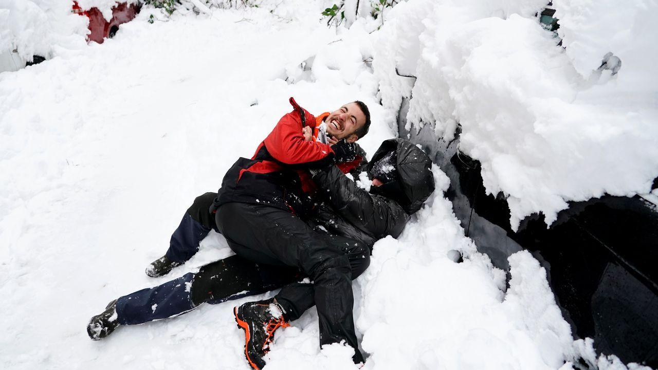 Jugando con la nieve en Madrid