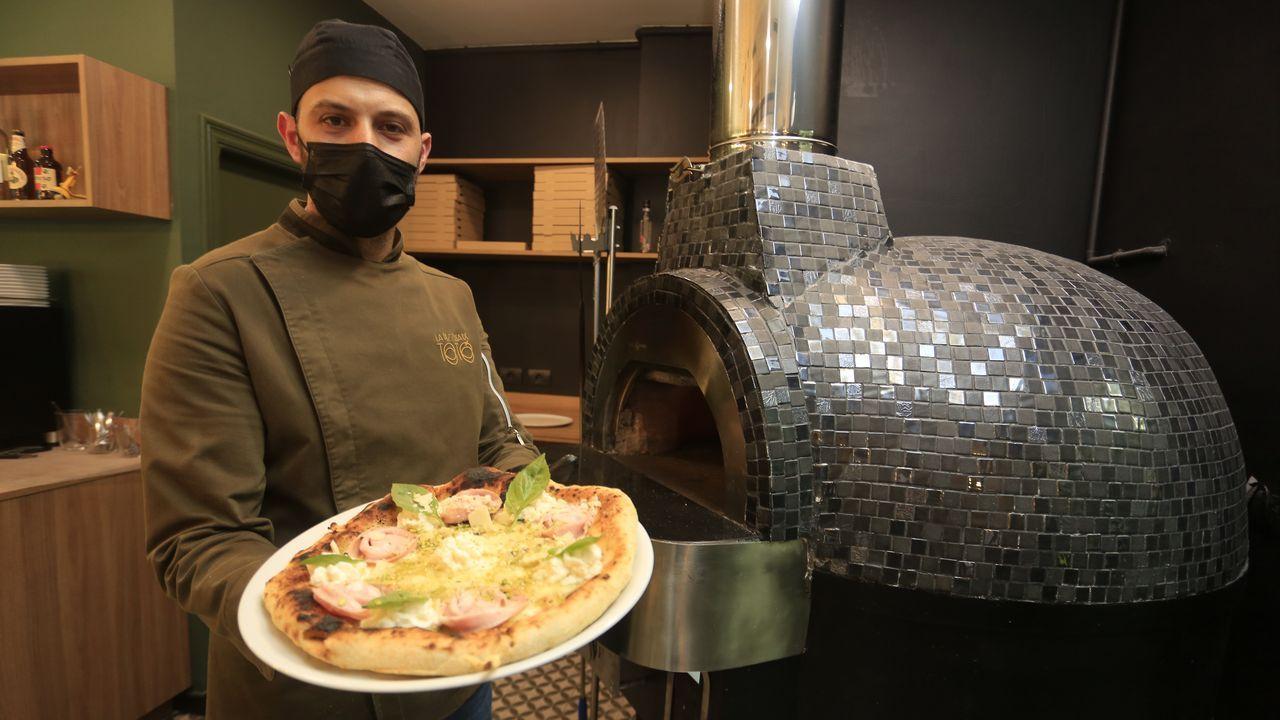 Antonio, de Pizzeróa Di Toto en Lugo que compite a nivel nacional