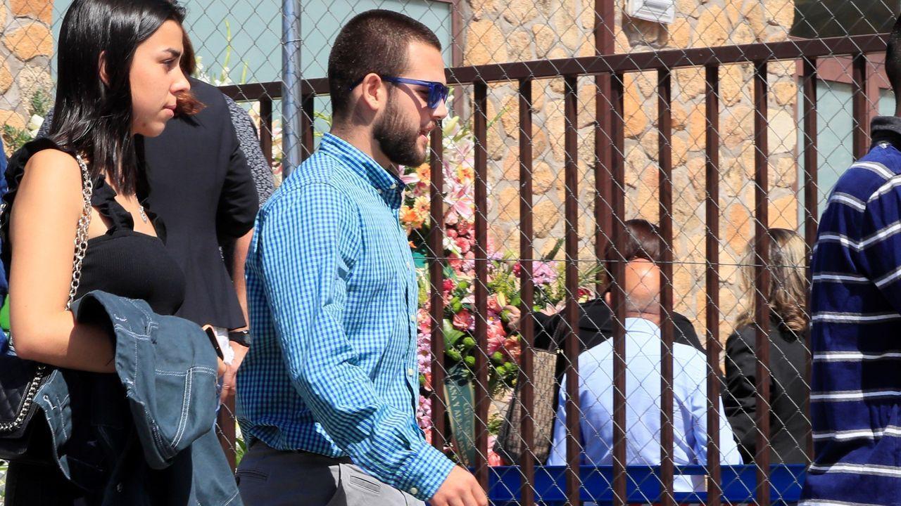 El hijo de Blanca Fernández Ochoa, David Fresneda, a su llegada a la capilla ardiente