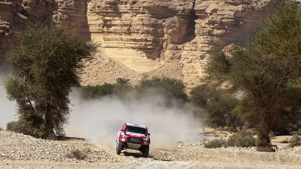 Probamos el Lexus ES 300h Executive.Alonso, en el Dakar