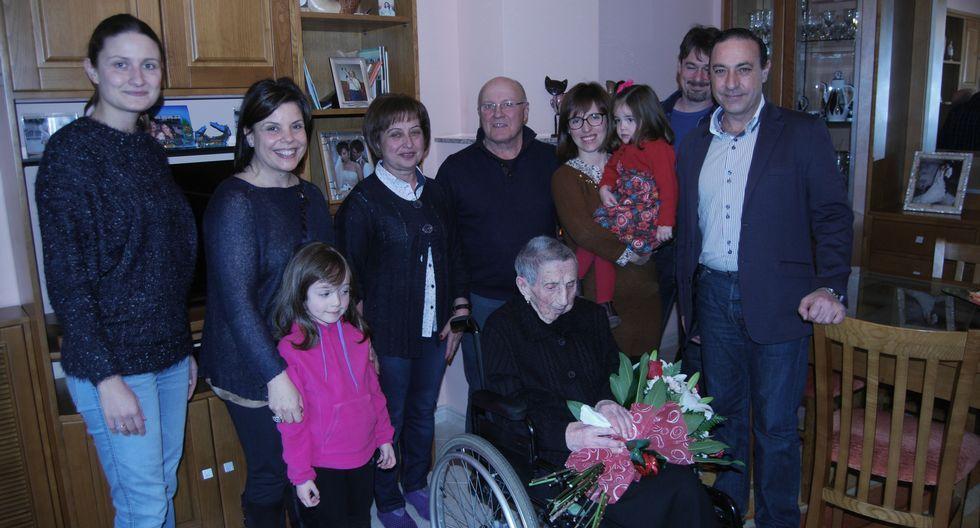 Salgueiro y Abad visitaron a Constantina, de 99 años.