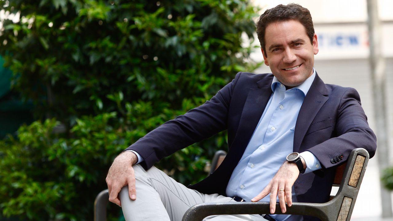 Feijoo llama a frenar el giro a la derecha de Casado y a «ensanchar» las bases del PP.Pedro Sánchez, durante el debate electoral de TVE
