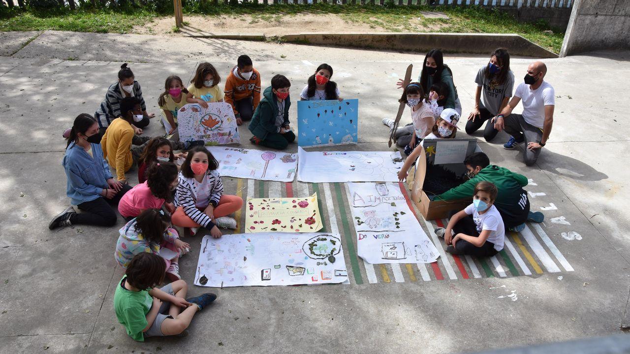 Así es el nuevo centro social de A Piringalla.Visita do delegado da Xunta á escola infantil de Paradai