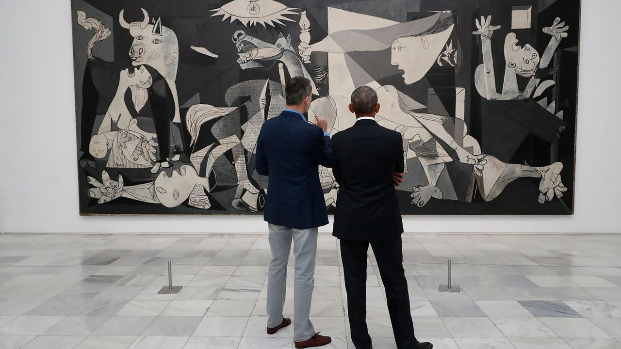 El Rey de España visita junto a Obama el Museo Reina Sofía en Madrid.Las reinas Letizia y Sofía en Mallorca junto a la Infanta Sofía