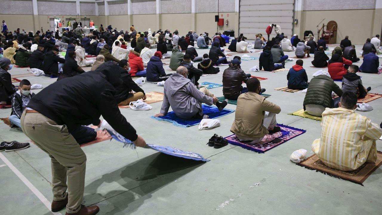 La comunidad musulmana de la provincia de Lugo se une en el Pazo de Feiras e Congresos para el rezo del último día de Ramadán