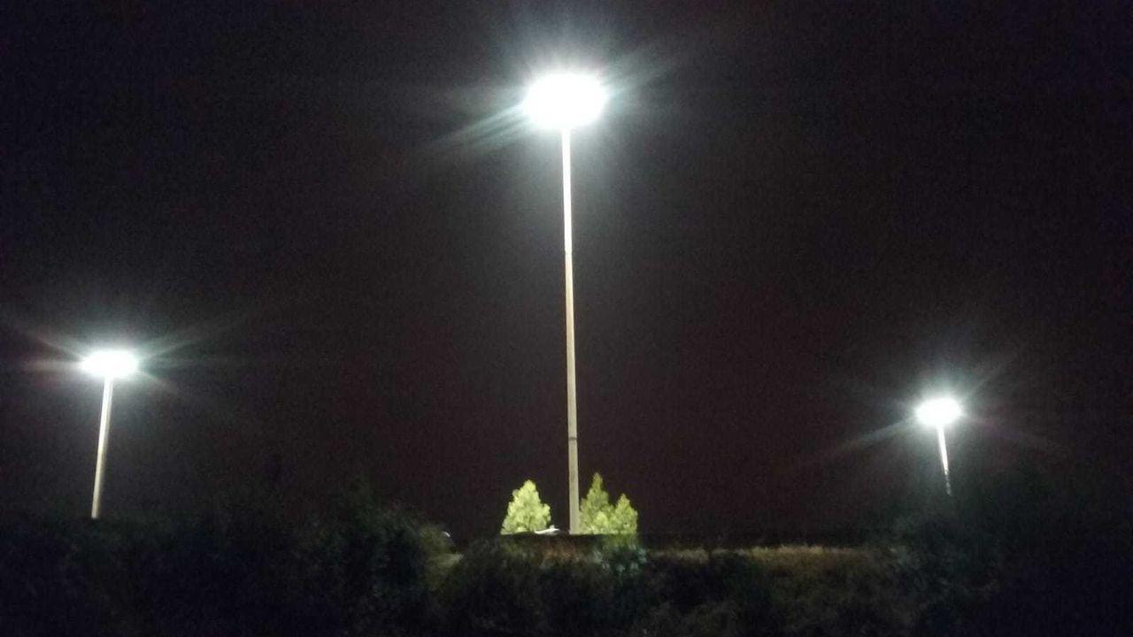 Nueva iluminación  led en la glorieta elevada de Mollavao, en Pontevedra