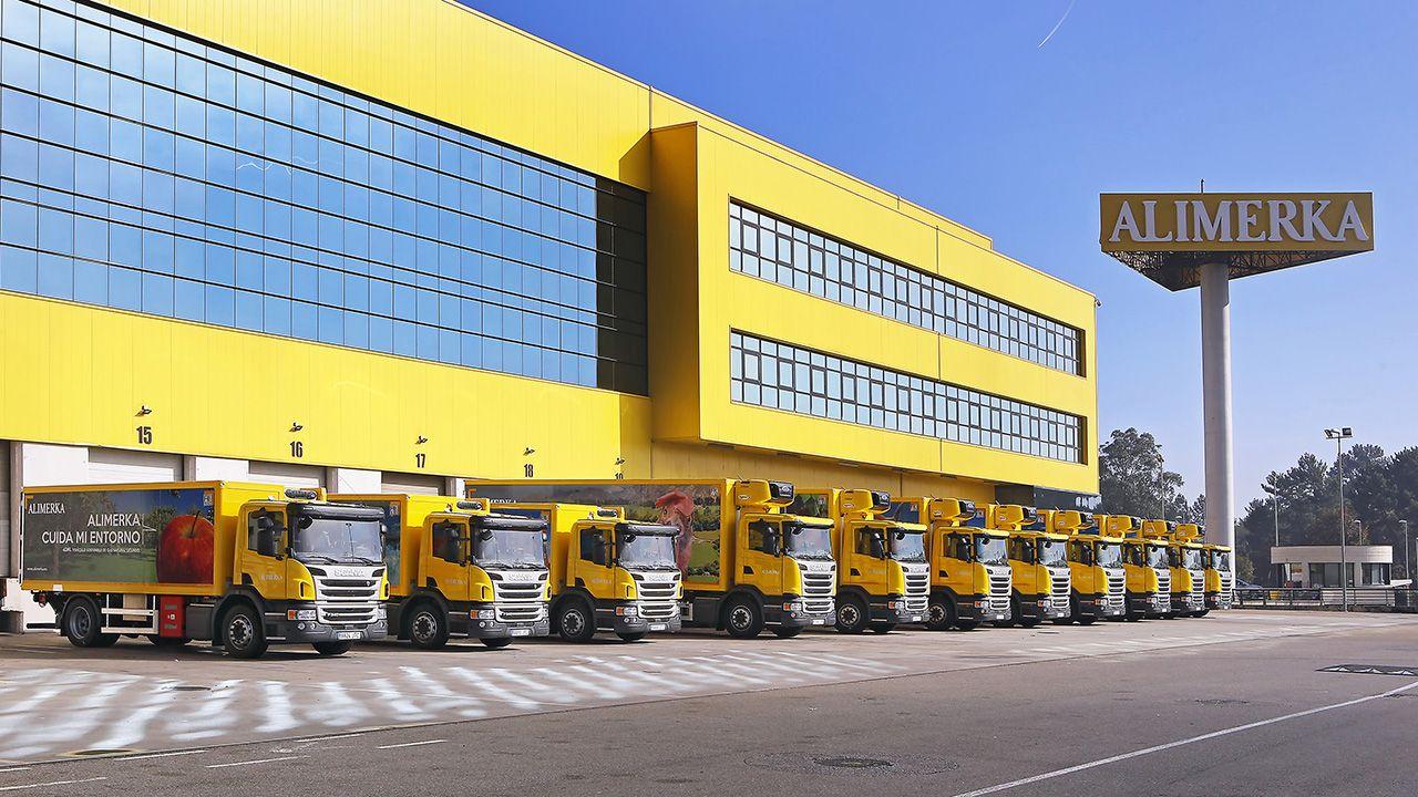 Llegan al puerto de A Coruña desde Egipto las piezas de la caldera de biomasa de Forestalia, en León.Instalaciones centrales de Alimerka