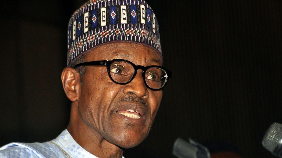 El presidente del Comité de Relaciones Exteriores del Senado, Bob Corker..Muhammadu Buhari, el presidente electo de Nigeria.