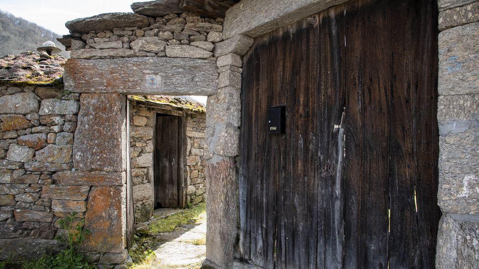 Una puerta de la Casa do Mojón