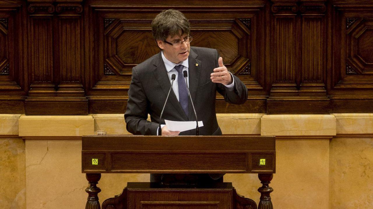 Rajoy: «No habrá referendo en Cataluña».Carme Forcadell, presidenta del Parlament