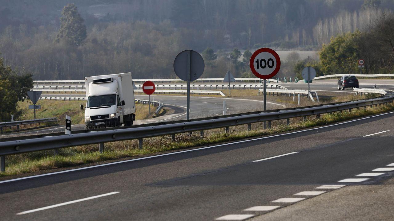 Tramo de la A-52 en la provincia de Ourense en el que se había rebajado a 100 el límite de velocidad debido al mal estado del firme