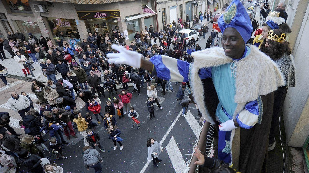 ¡Búscate en el Xantar de Reis de Rianxo!.Cabalgata de Reyes en Avilés