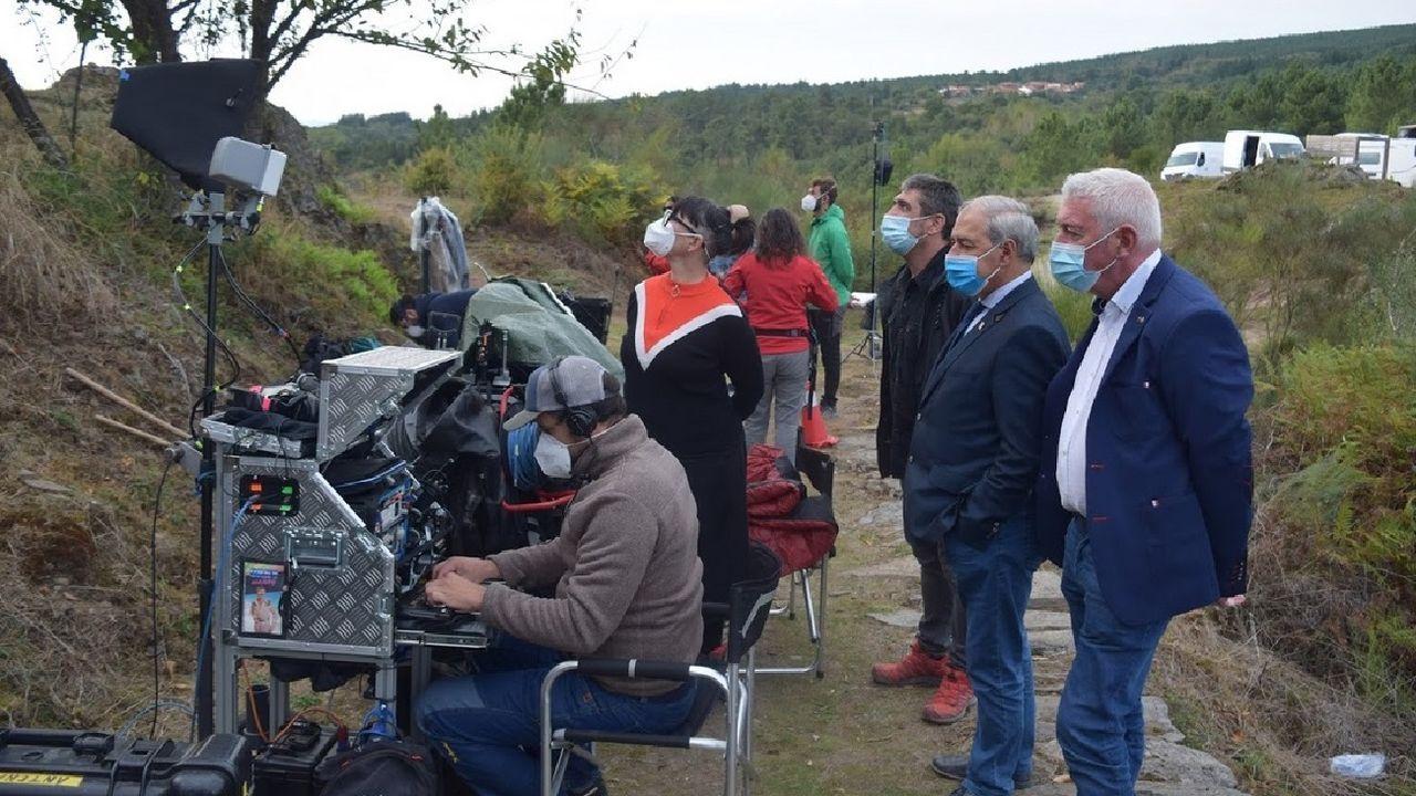 El presidente de la Diputación, Jose Tomé, visitó el rodaje de la película de Dani de la Torre