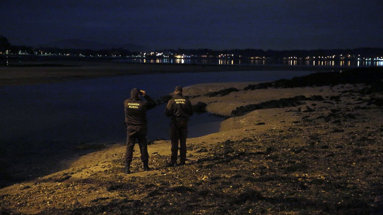 Guardias rurales de la cofradía de Cabo de Cruz vigilan el litoral