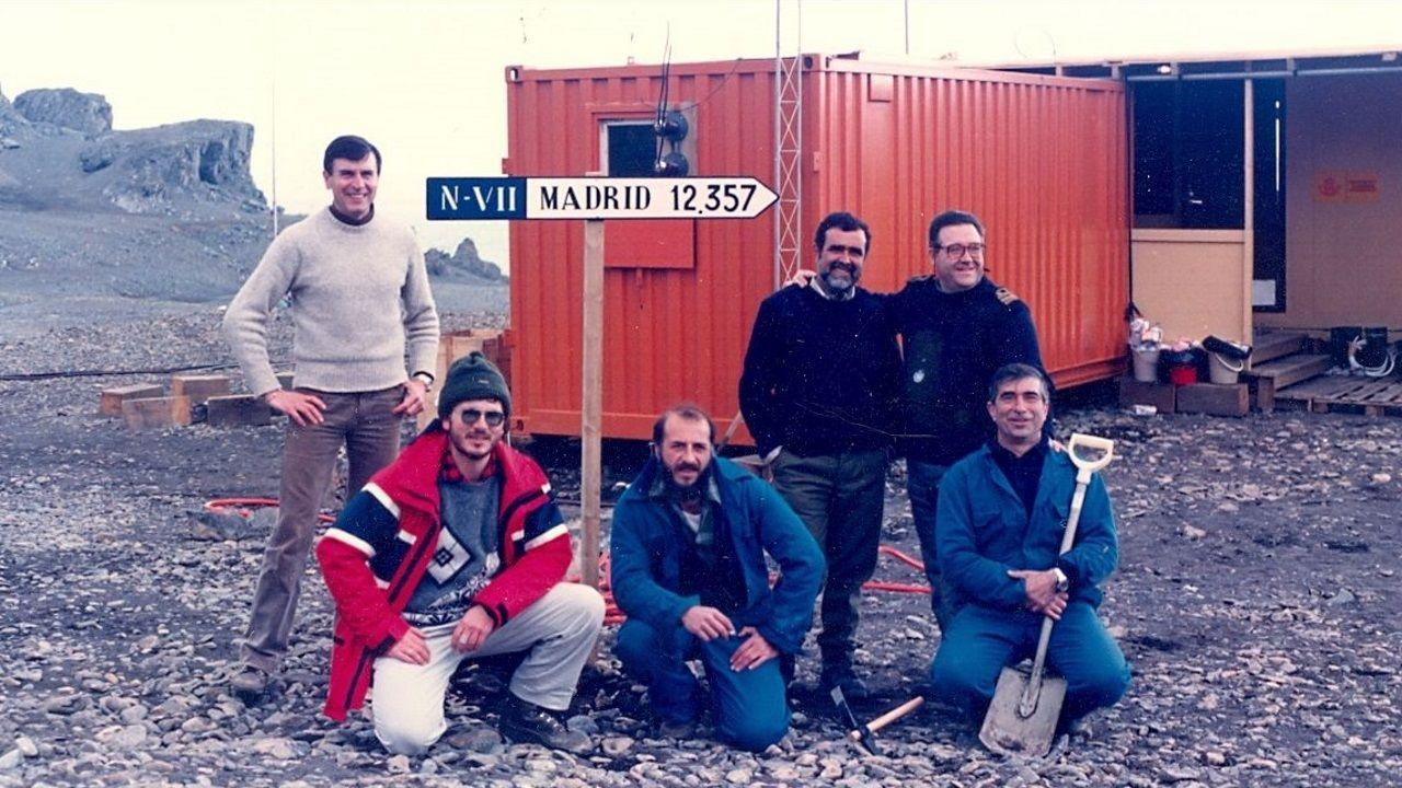Una imagen de la estación en los años noventa. Los módulos han sustituido a los contenedores.