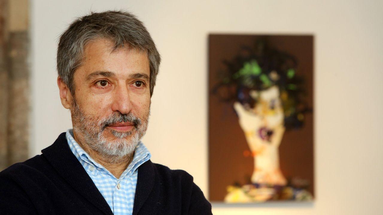 O pintor e poeta vilagarcián Xurxo Alonso