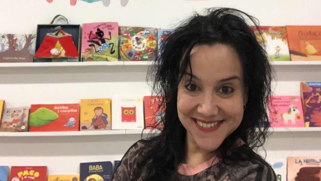 Jeanette Valiñas, en su tienda de A Estrada