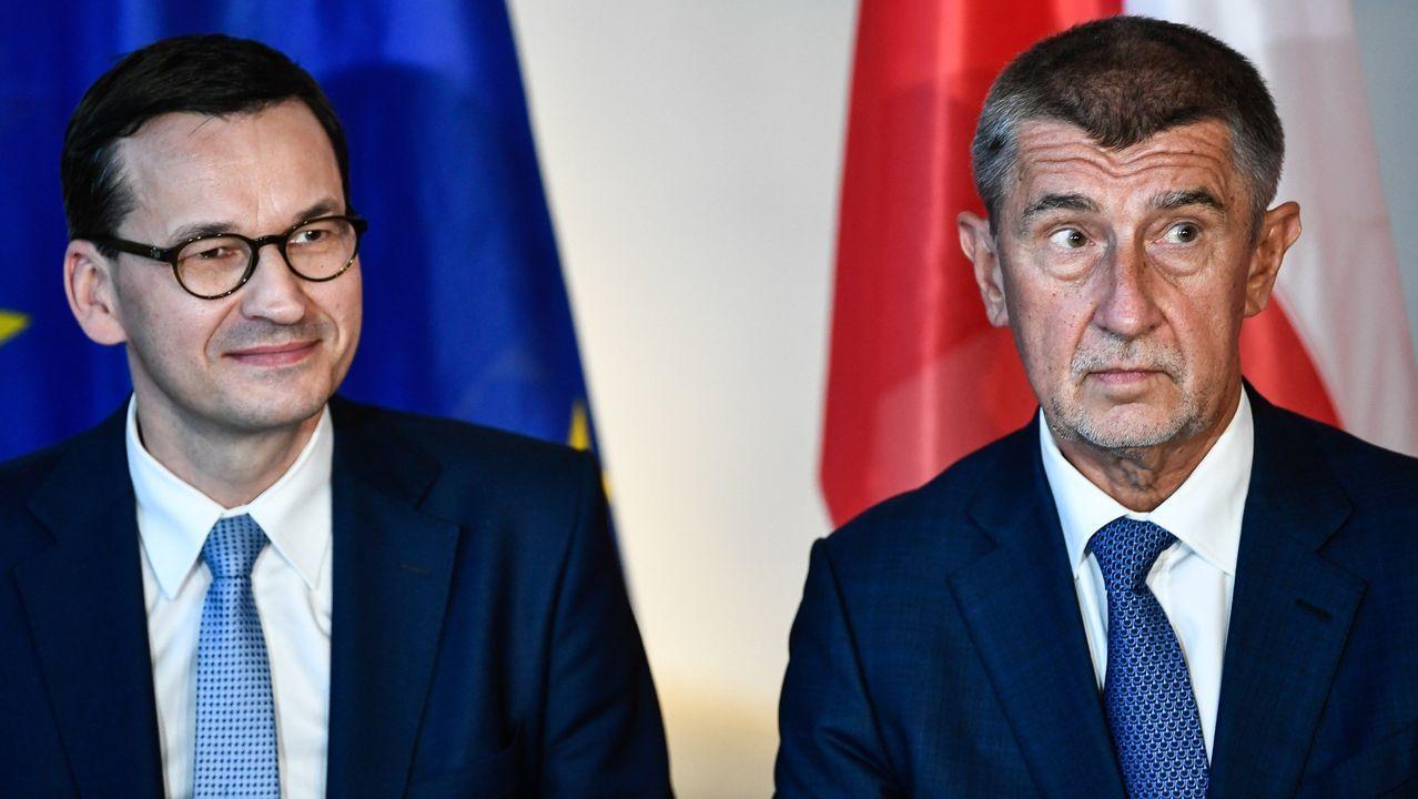El primer ministro polaco, Mateusz Morawiecki (izquierda), y el primer ministro checo, Andrej Babis, este lunes, en Dresde (Alemania)