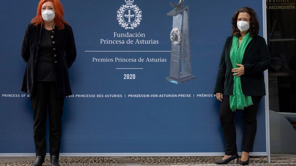 Las directoras del Hay Festival para Latinoamérica, Cristina Fuentes La Roche (d), y para España, María Sheila Cremaschi (i)
