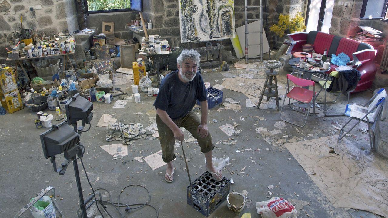 Vidal Souto, en su estudio en Osebe, en Leiro, en una imagen del 2012