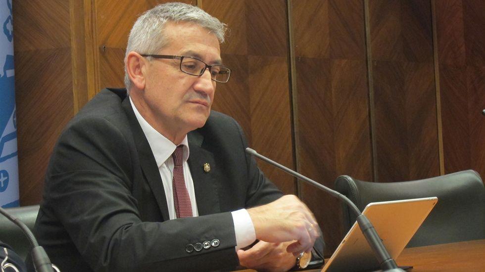 Francesco Tonucci «Frato».Santiago García Granda, rector de la Universidad de Oviedo