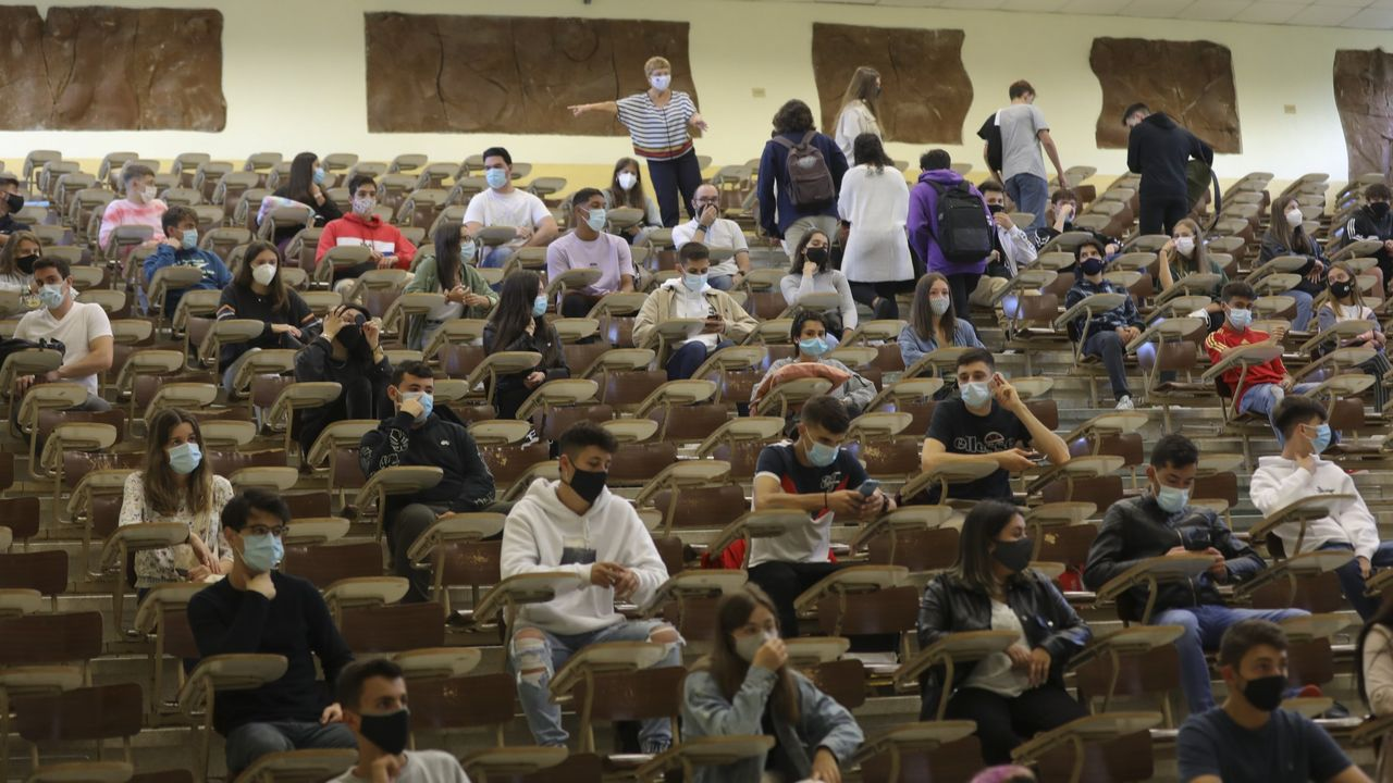 Imagen de una clase este año en la Facultad de Económicas de la USC