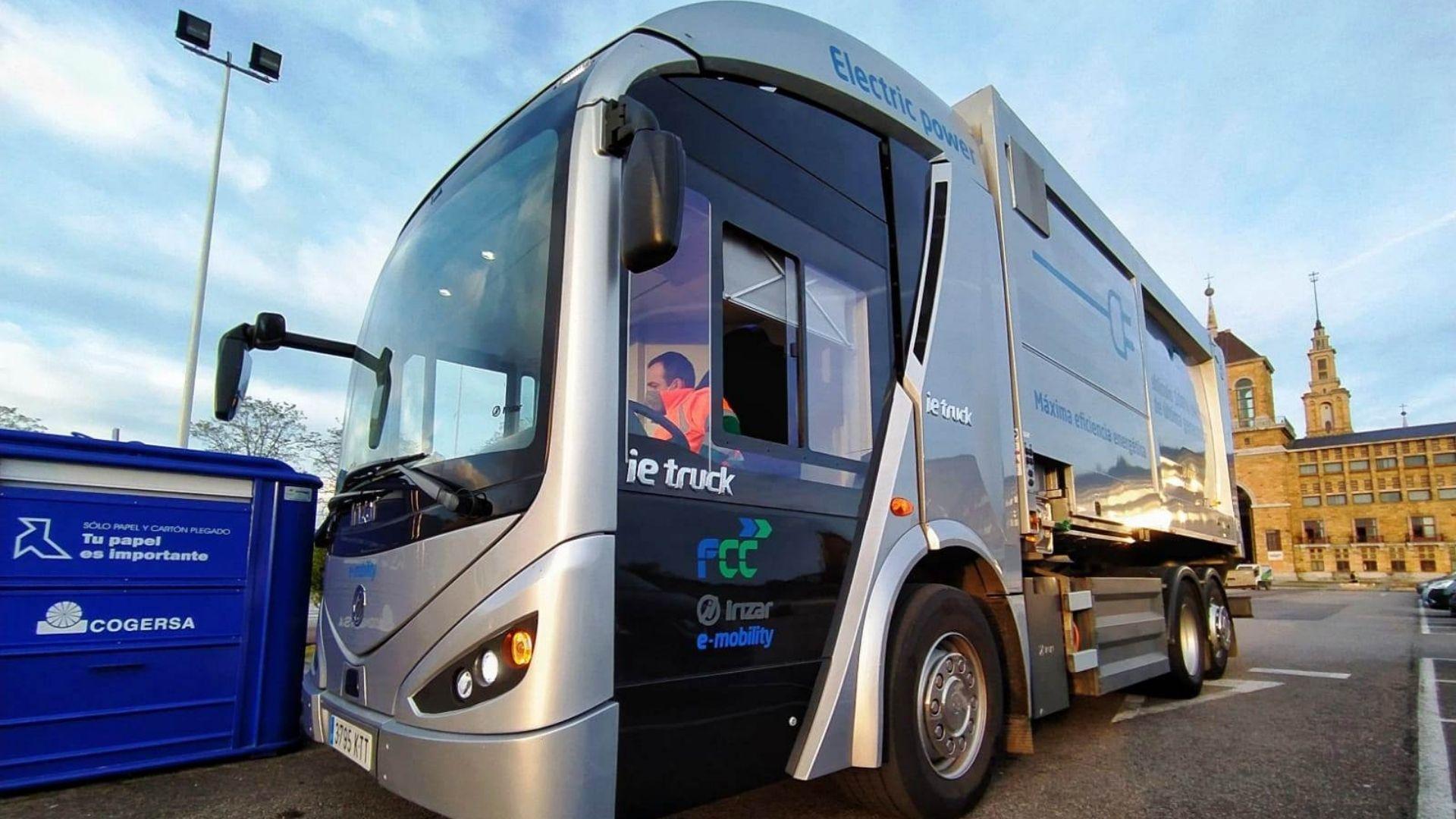 El camión eléctrico de recogida de residuos que prueba Emulsa