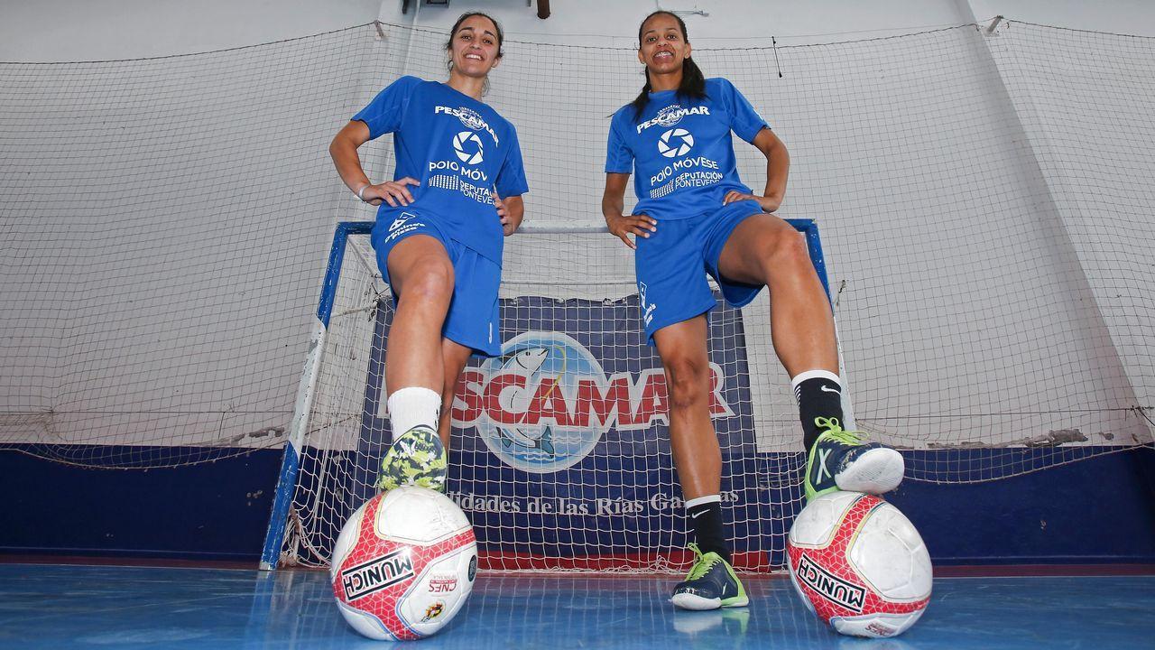 Sorteo del Campeonato de España infantil femenino.Sofía Pérez, en medio de la fila inferior con el dorsal 11, en una imagen con el Cidade de Pontevedra de fútbol sala