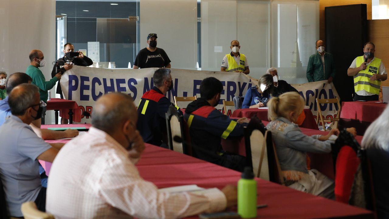 El comité de Alcoa: «Vamos a volver a dar la batalla».La corporación municipal de Viveiro aprobó este miércoles una moción de apoyo a la reivindicación del comité de Alcoa San Cibrao en la que se insta al Gobierno a cumplir los acuerdos en el Parlamento de Galicia y el Congreso de los Diputados para la intervención pública temporal de la planta