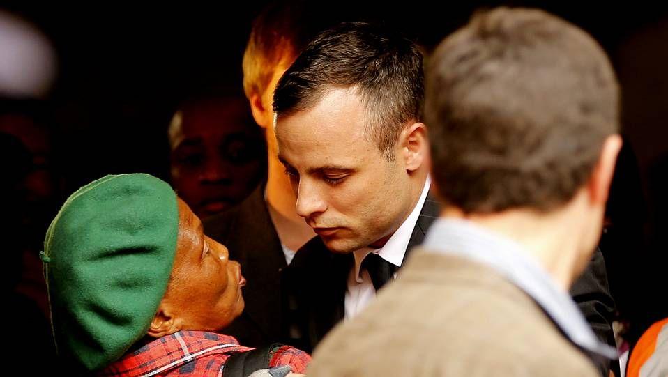 Pistorius a su salida del Juzgado de Pretoria