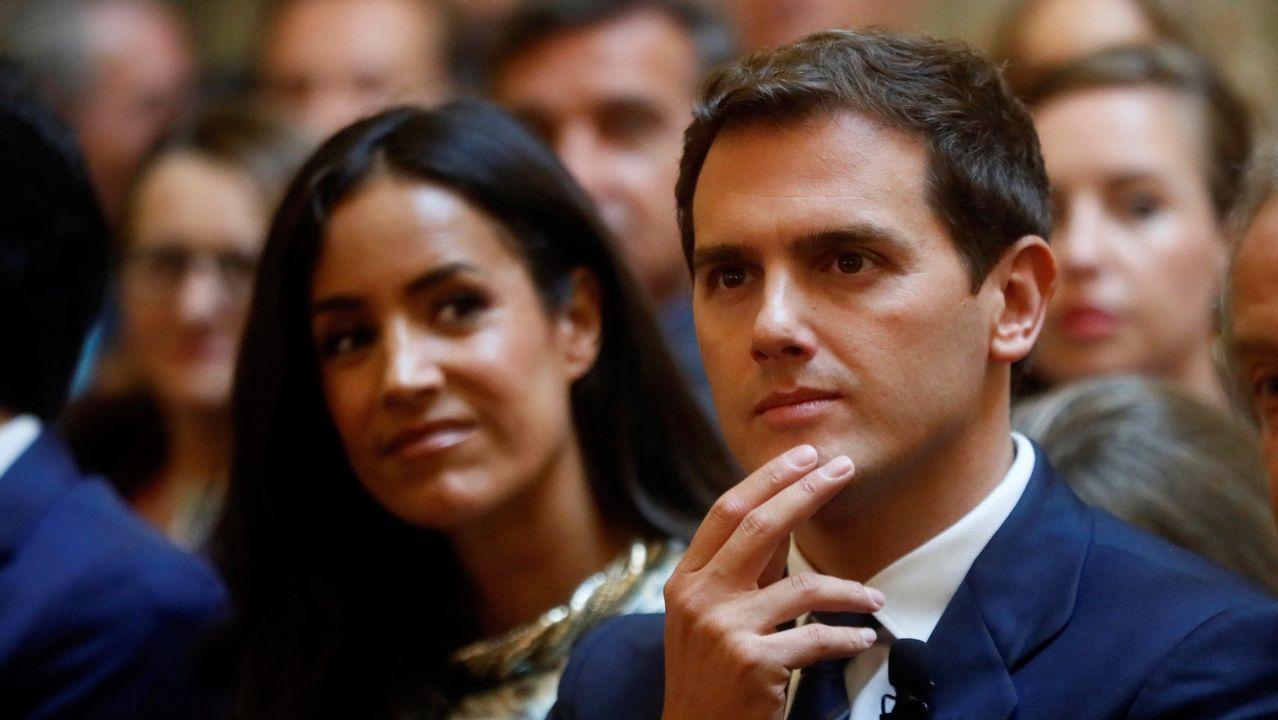 Sánchez asistió ayer a la toma de posesión de María Luisa Carcedo como ministra de Sanidad