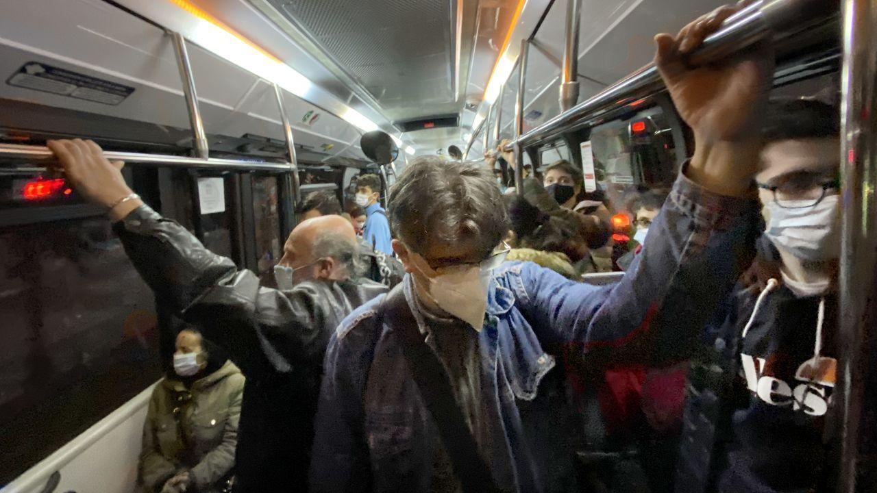 Lleno en este autobús de Vitrasa en Vigo