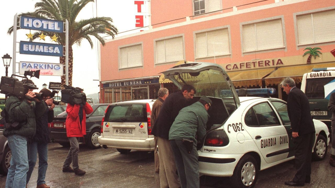 Los robots anticovid, en marcha.Foto de archivo de la mañana en la que se descubrió el homicidio del empleado del hotel Eumesa de Pontedeume