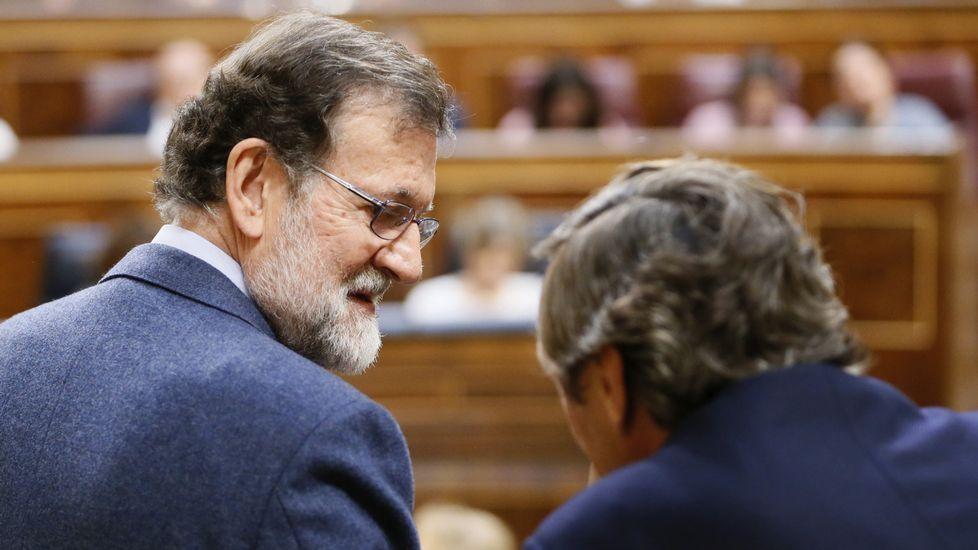 Rajoy, en vivo y en directo.Luis Bárcenas, a la salida de la Audiencia Nacional
