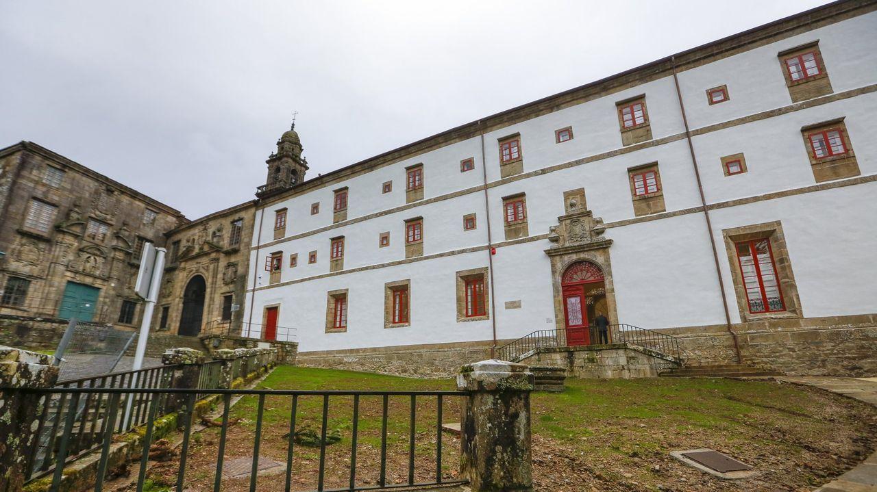 Ala sur del Museo do Pobo Galego (de blanco) que se prevé sea entregada la próxima semana tras finalizar las obras de su rehabilitación