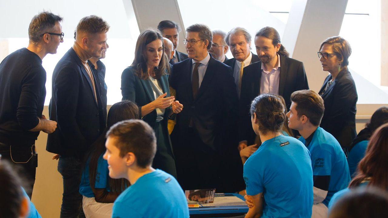 La reina Letizia y Pablo Iglesias asisten en A Coruña a la proclamación del premio Social de la Fundación Princesa de Girona.Pablo Iglesias interviene en la sesión de control al Gobierno en el Senado en presencia de Nadia Calviño