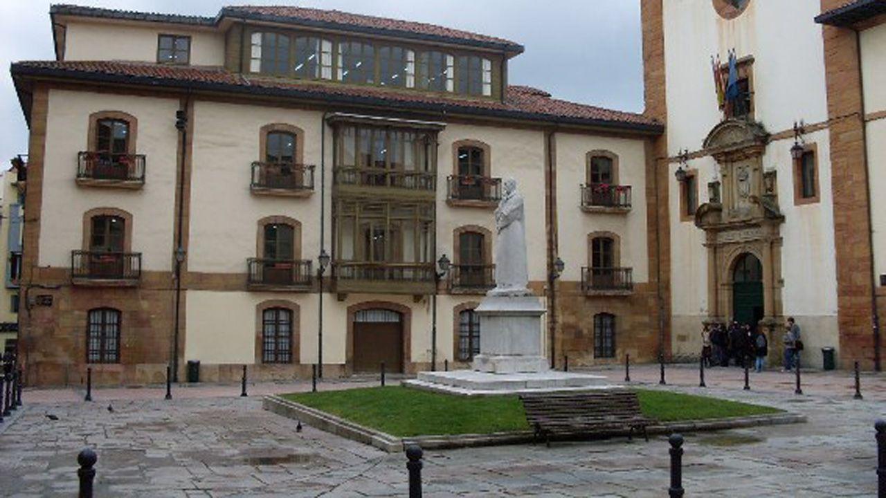 Estudiantes de Oviedo se manifiestan contra el machismo en las aulas.Facultad de Psicología de la Universidad de Oviedo