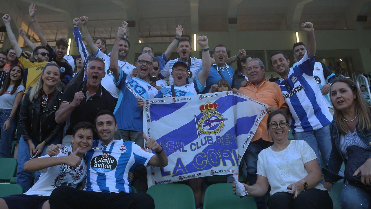 Elche - Deportivo, las mejores imágenes.Marc Gual celebra un gol con el Zaragoza