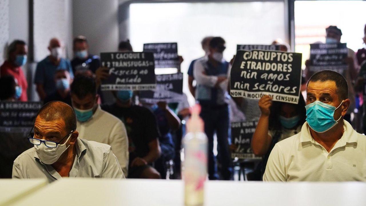 Ambiente en la moción de censura de Castrelo de Miño.Ana Pontón y Gonzalo Caballero, en el Parlamento de Galicia