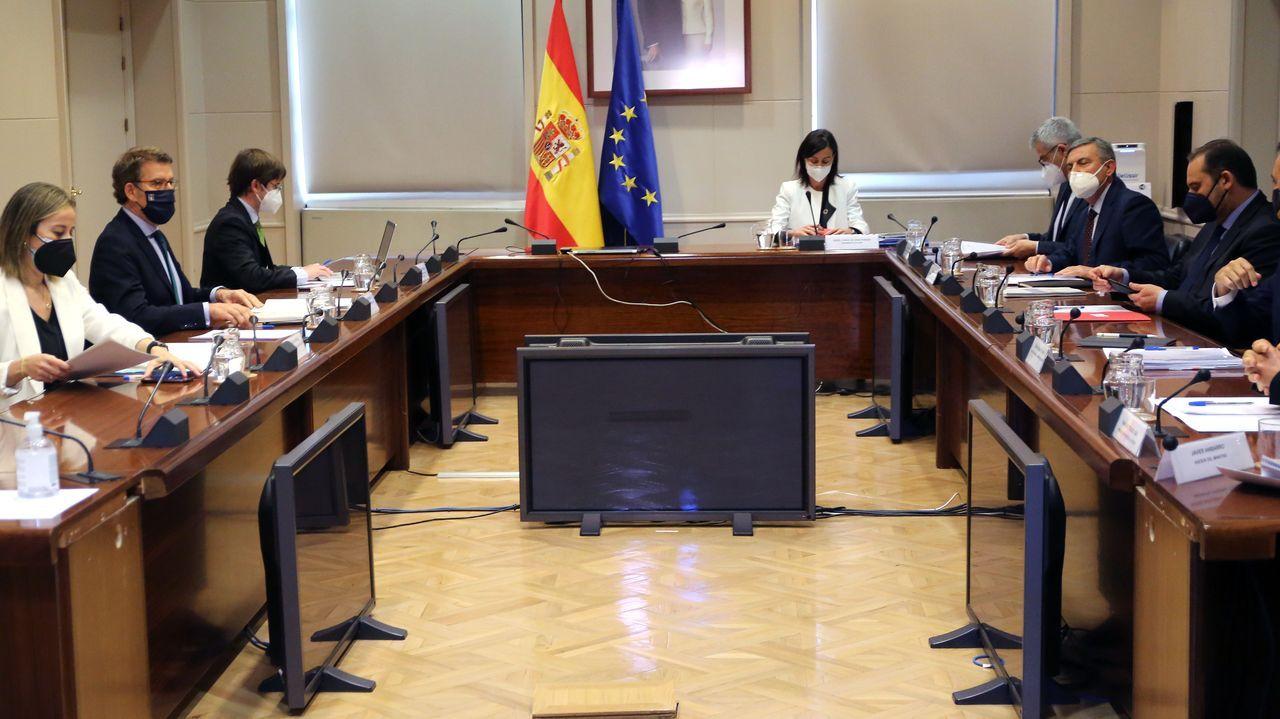 Imagen de la reunión entre el presidente Feijoo y el ministro Ábalos