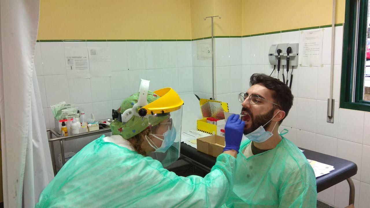 Este viernes empezó el cribado masivo a la población de Bueu para detectar casos de coronavirus
