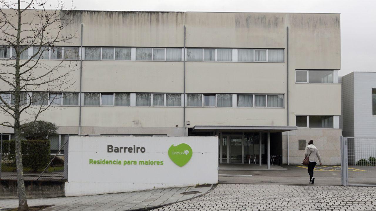 El alcalde de Ponteareas, Xosé Represas (BNG), y la concejala de Urbanismo, María Jesús Garrote.Ponteareas fue el primer concello del área de Vigo en apostar por la medida