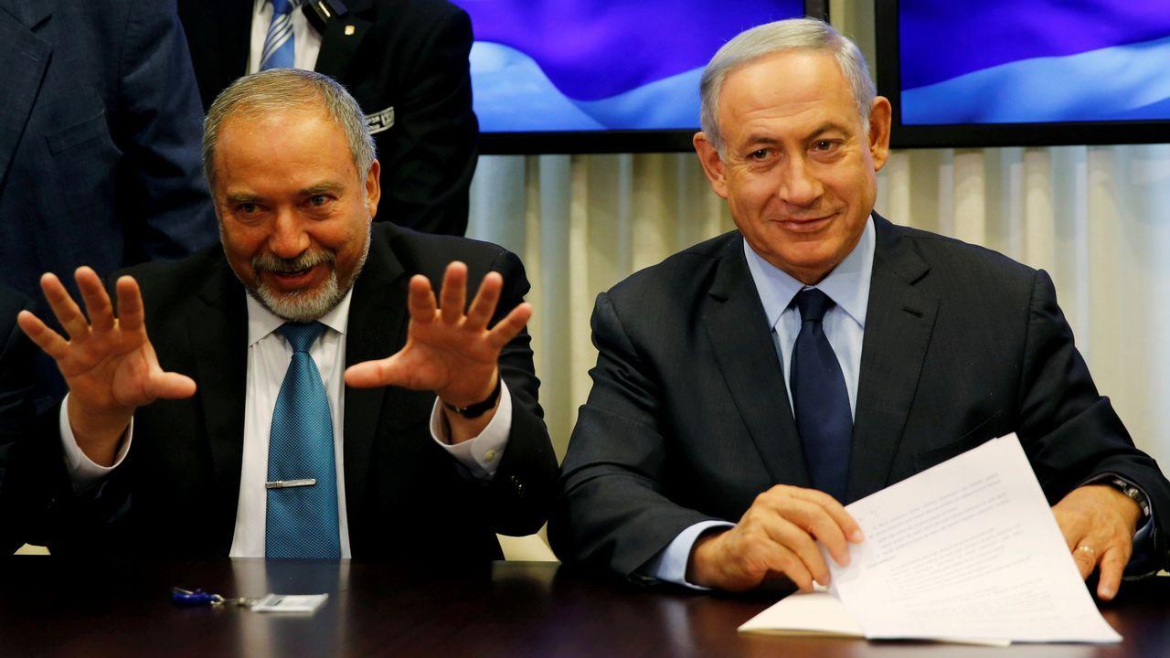 El pulso político entre Netanyahu y  Lieberman a costa de la ley que establece cuotas anuales para el reclutamiento de ultraortodoxos puede llevar a Israel a unas nuevas elecciones