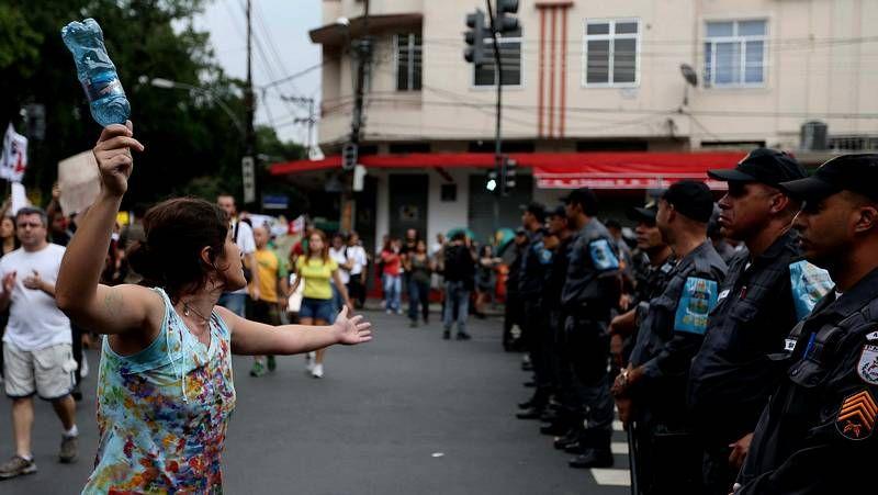 Balaídos acogió hace 13 años el último España-Brasil.Protesta en Brasil