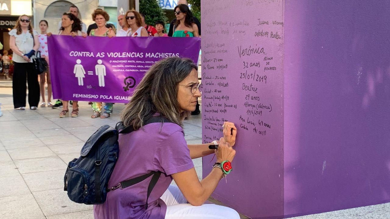 El Día de Galicia, en imágenes.Concentración en repulsa del asesinato machista de Vilalba