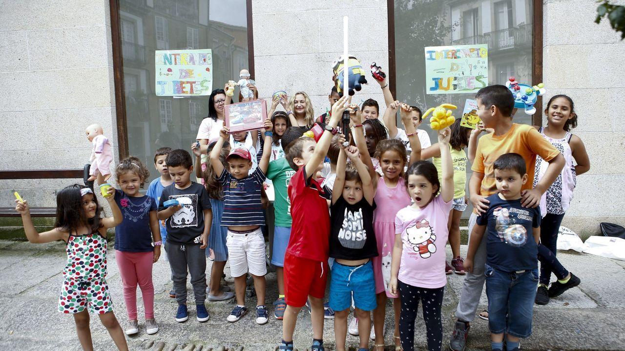 Los niños disfrutan de las actividades de conciliación de verano en el centro cívico Colón, en ediciones anteriores